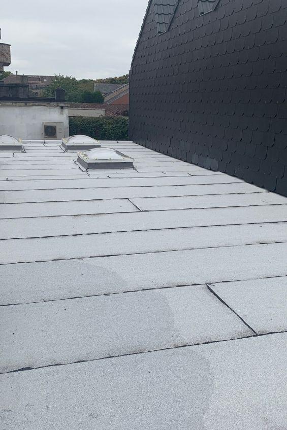 Travaux de rénovation d'une toiture plate